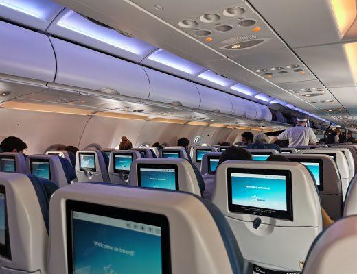 air transat départ pour le canada dans l'avion